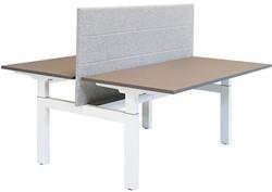 Bureaus en tafels